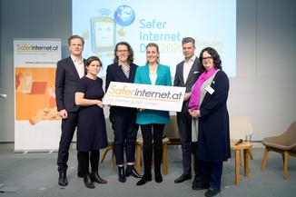 Bild 2   Safer Internet – Aufwachsen in der digitalen Welt