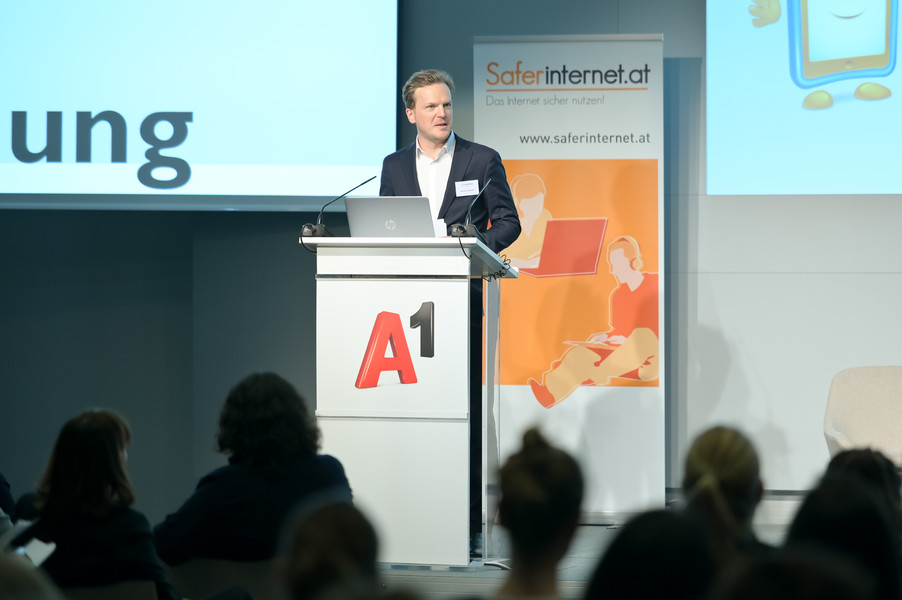 Bild 33   Safer Internet – Aufwachsen in der digitalen Welt