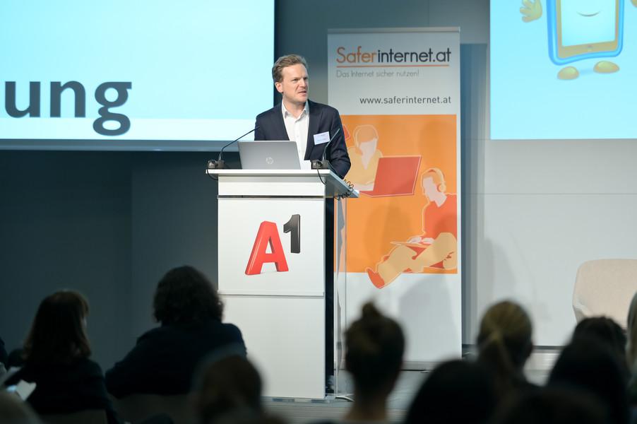 Bild 34   Safer Internet – Aufwachsen in der digitalen Welt