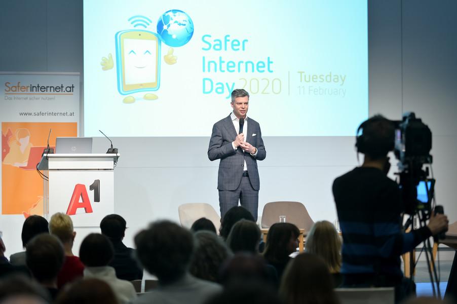 Bild 44   Safer Internet – Aufwachsen in der digitalen Welt