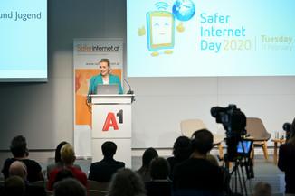 Bild 53   Safer Internet – Aufwachsen in der digitalen Welt