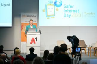 Bild 54   Safer Internet – Aufwachsen in der digitalen Welt