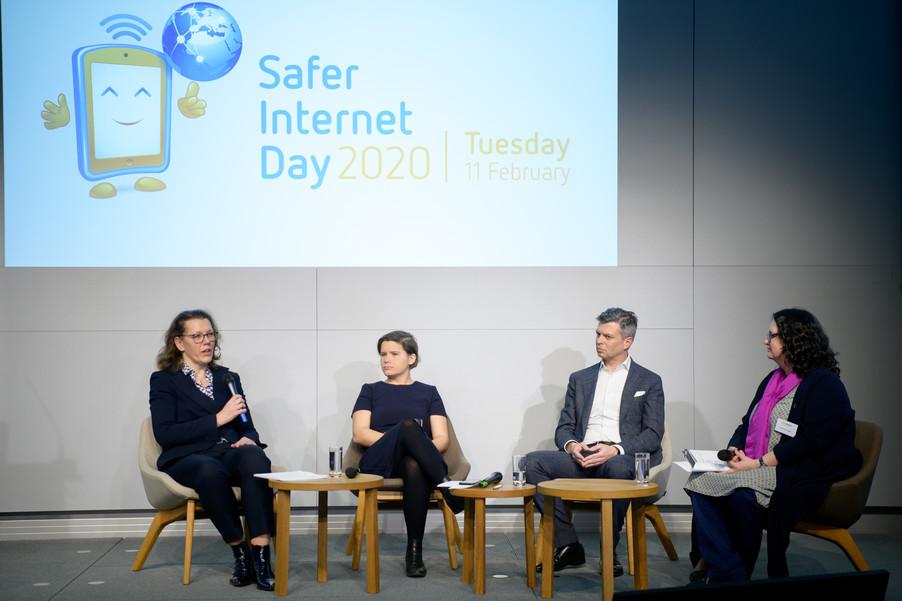 Bild 74   Safer Internet – Aufwachsen in der digitalen Welt