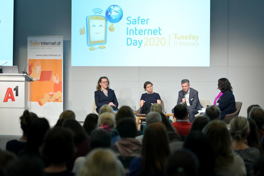 Bild 81   Safer Internet – Aufwachsen in der digitalen Welt