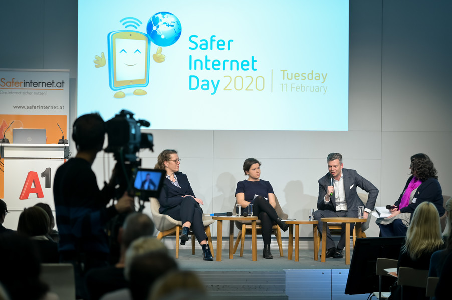 Bild 85   Safer Internet – Aufwachsen in der digitalen Welt