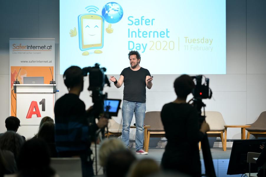 Bild 125   Safer Internet – Aufwachsen in der digitalen Welt