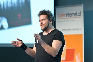 Bild 128   Safer Internet – Aufwachsen in der digitalen Welt