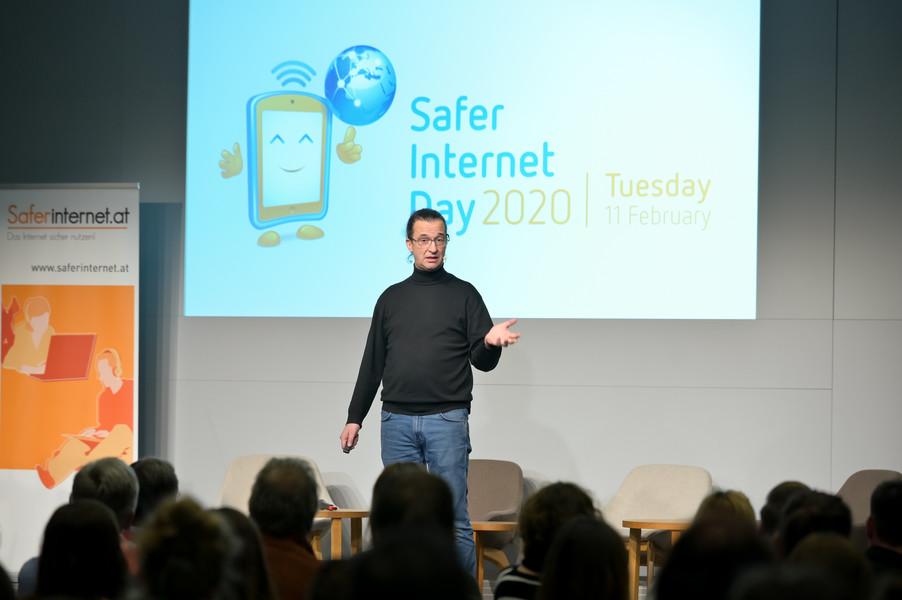 Bild 139   Safer Internet – Aufwachsen in der digitalen Welt