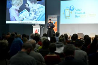 Bild 140   Safer Internet – Aufwachsen in der digitalen Welt