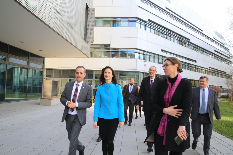 Bild 33 | Kommissarin Mariya Gabriel besucht das Institute of Technology and Science Austria (ISTA)