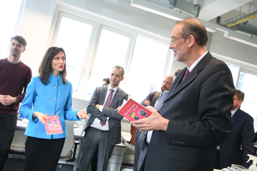 Bild 55 | Kommissarin Mariya Gabriel besucht das Institute of Technology and Science Austria (ISTA)