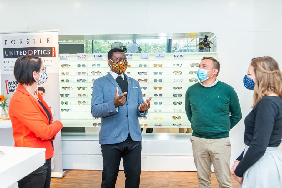 Bild 17   Auftakt der Aktion Brillensammlung für Afrika