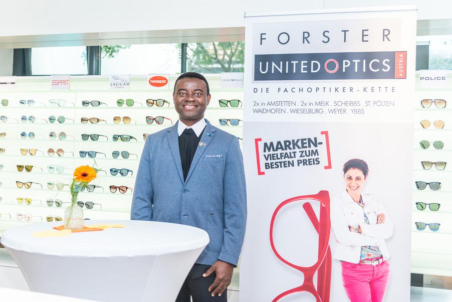 Bild 8   Auftakt der Aktion Brillensammlung für Afrika