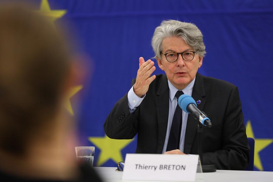 Bild 1 | Pressegespräch mit EU-Kommissar Breton zur Impfstoffstrategie
