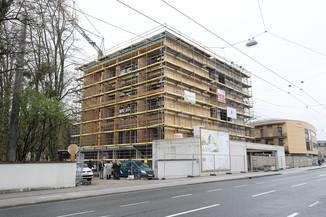 Bild 6   SALZBURG - 2021-04-20: Gleichenfeier für neues Ronald McDonald Kinderhilfe Haus in Salzburg ...