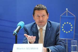 Bild 1   Pressegespräch mit Martin Selmayr