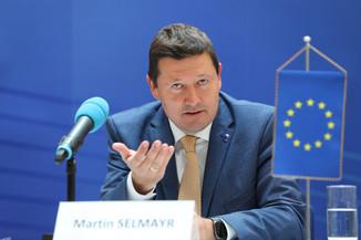 Bild 3   Pressegespräch mit Martin Selmayr