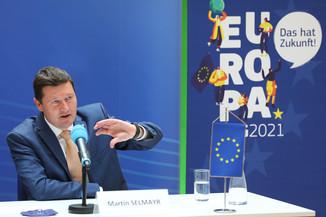 Bild 15   Pressegespräch mit Martin Selmayr