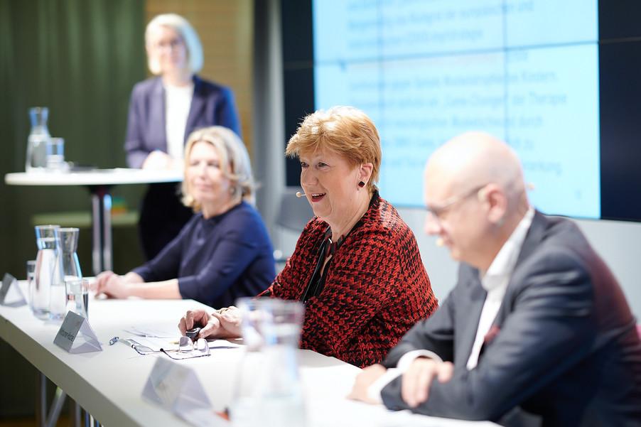 """Bild 9   Presse-Round-Table """"Arzneimittel-Innovationen 2020"""""""