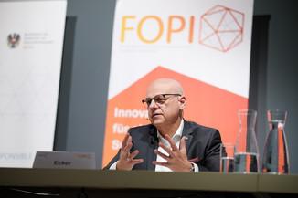 """Bild 13   Presse-Round-Table """"Arzneimittel-Innovationen 2020"""""""