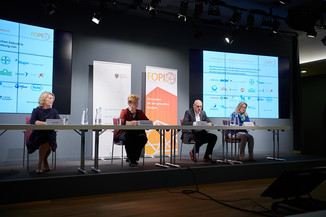 """Bild 14   Presse-Round-Table """"Arzneimittel-Innovationen 2020"""""""