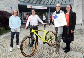 Bild 11   Schüler der BG BRG Mössinger gewinnt 1. Platz bei österreichweitem Zeichenwettbewerb