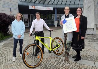 Bild 12   Schüler der BG BRG Mössinger gewinnt 1. Platz bei österreichweitem Zeichenwettbewerb