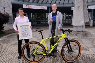 Bild 18   Schüler der BG BRG Mössinger gewinnt 1. Platz bei österreichweitem Zeichenwettbewerb