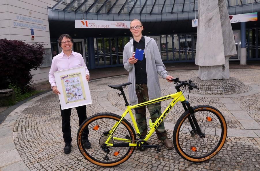 Bild 21   Schüler der BG BRG Mössinger gewinnt 1. Platz bei österreichweitem Zeichenwettbewerb