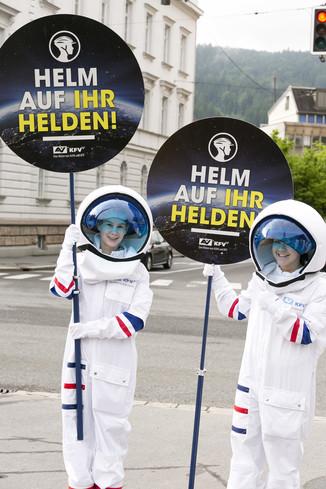 Bild 15 | Bregenz am 8.6.2021, APA KFV Kuratorium fuer Verkehrssicherheit, Event Nr. 0128.21, Gruppenfoto mit ...