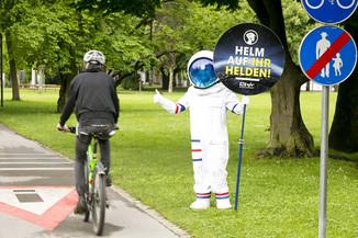Bild 16 | Bregenz am 8.6.2021, APA KFV Kuratorium fuer Verkehrssicherheit, Event Nr. 0128.21, Gruppenfoto mit ...