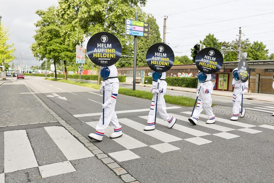 Bild 20 | Bregenz am 8.6.2021, APA KFV Kuratorium fuer Verkehrssicherheit, Event Nr. 0128.21, Gruppenfoto mit ...