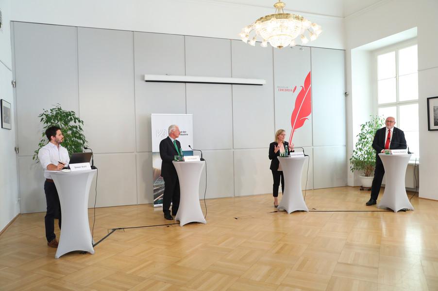 Bild 6   Jahrespressekonferenz Verband der Bahnindustrie
