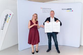 Bild 7   klimaaktiv Bronze Auszeichnung für die Planung der Sanierung des Pflegeheims Kirschenhof in Pirka ...