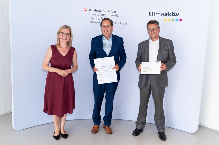 Bild 25   klimaaktiv Gold Auszeichnung für die Passivhausanlage Zeppelinstraße 10, 10a, 12, 12a, 14, 14a in ...