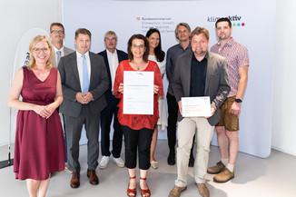 Bild 1   klimaaktiv Gold Auszeichnung für die Sanierung des Gemeindeamts Neumarkt.