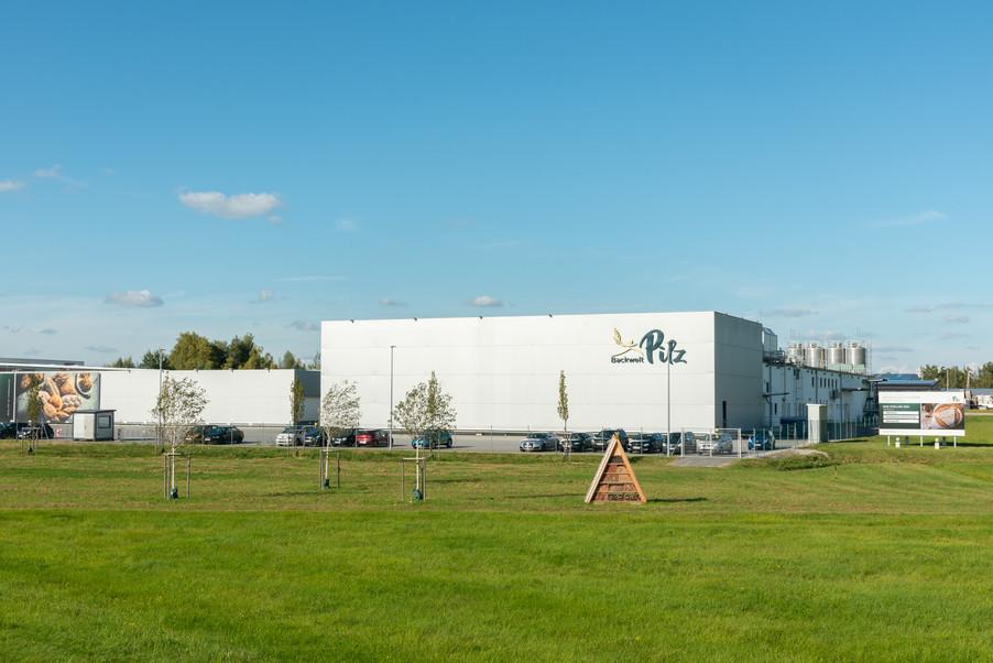 Bild 45 | LH Mikl-Leitner überzeugt sich vom Erfolg des Waldviertler Bäckereibetriebes