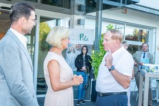 Bild 32 | LH Mikl-Leitner überzeugt sich vom Erfolg des Waldviertler Bäckereibetriebes