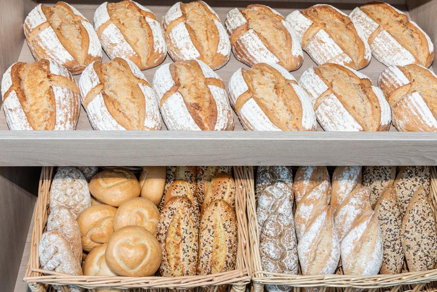 Bild 34 | LH Mikl-Leitner überzeugt sich vom Erfolg des Waldviertler Bäckereibetriebes
