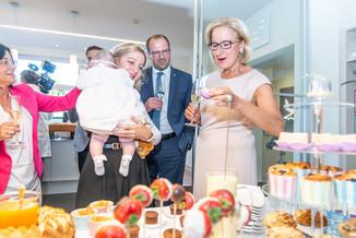 Bild 37 | LH Mikl-Leitner überzeugt sich vom Erfolg des Waldviertler Bäckereibetriebes
