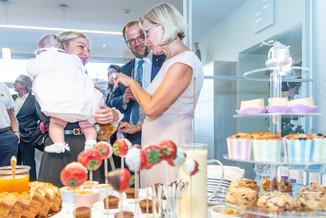Bild 39 | LH Mikl-Leitner überzeugt sich vom Erfolg des Waldviertler Bäckereibetriebes