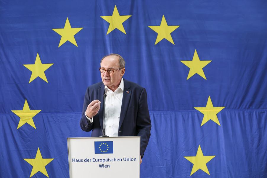 Bild 10   Verleihung des Europäischen Bürgerpreises